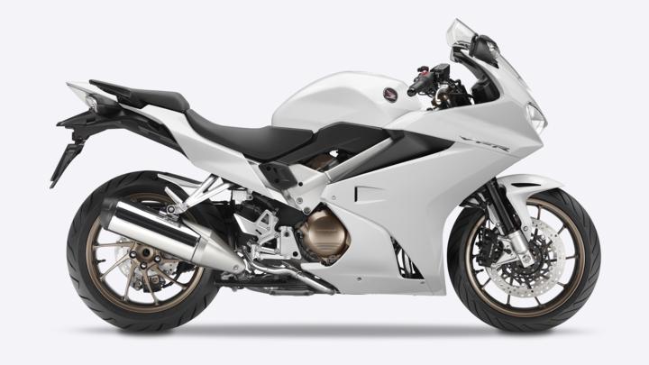 Áttekintés – VFR800F – Sporttúra – Választék – Motorkerékpárok – Honda